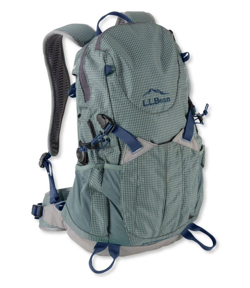 photo: L.L.Bean Men's Day Trekker Day Pack